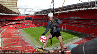 Freestyle footballer Andrew Henderson before he scored the highest ever goal at Wembley