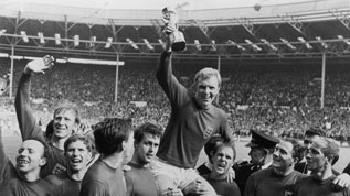 Bobby Moore lifts the World Cup