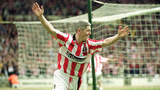 Graham Kavanagh celebrates his goal in the 2000 Football League Trophy Final