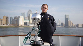 Cambridge United captain Ian Miller with the FA Trophy