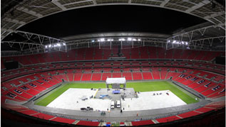 Wembley rehearses setting up for Froch v Groves 2